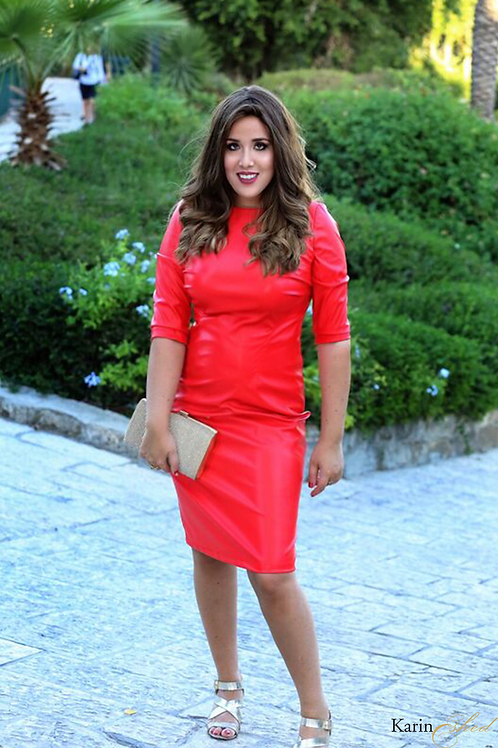 שמלת עור אדומה