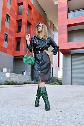 שמלת עור תיקתק שחורה+ חגורה עם אבזם זהב