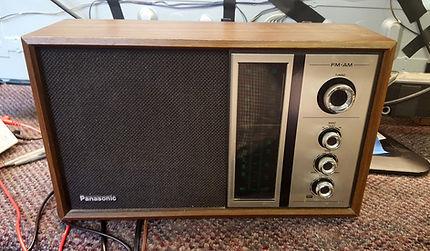 Vintage Panasonic AM/FM Radio