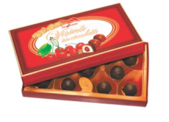 Вишня с косточкой в шоколаде в коробке (200 грамм)