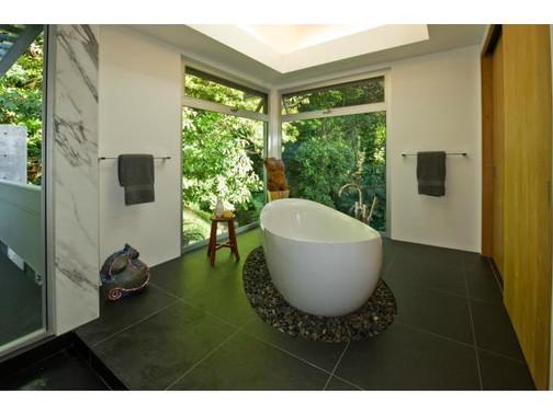 Kaohinani Bathroom