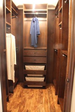 Poplar closet