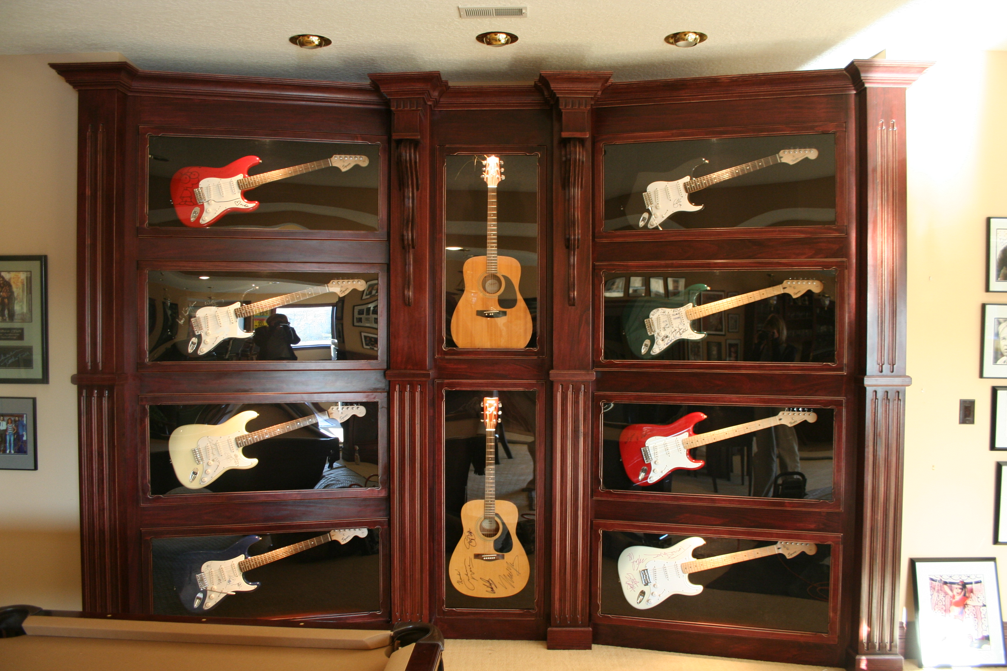 Poplar Guitar showcase