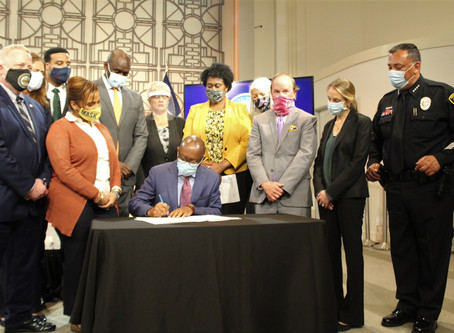 Mayor Turner signs an executive order on the use of deadly force in the Houston Police Department