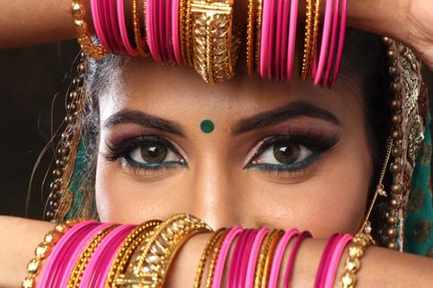 4 Benefícios do Kajal: o cosmético que embeleza, protege e nutre os olhos
