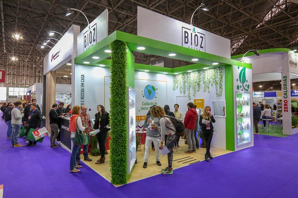 stand da marca Bioz na feira Naturaltech