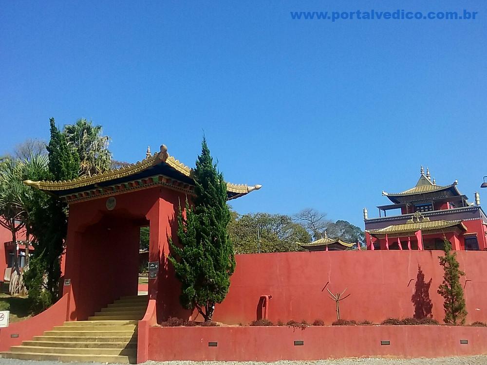 Entrada do templo Odsal Ling