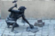 estátua_homem_artesão.png