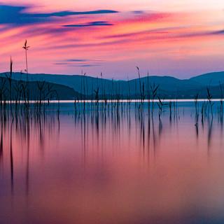 Aube sur lac d'Annecy au solstice d'été