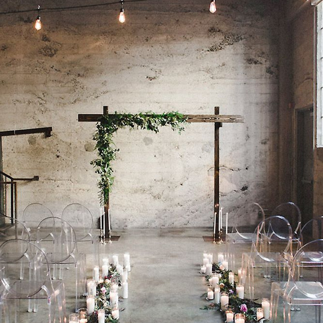 simple-cool-wedding-industrialloft-decor