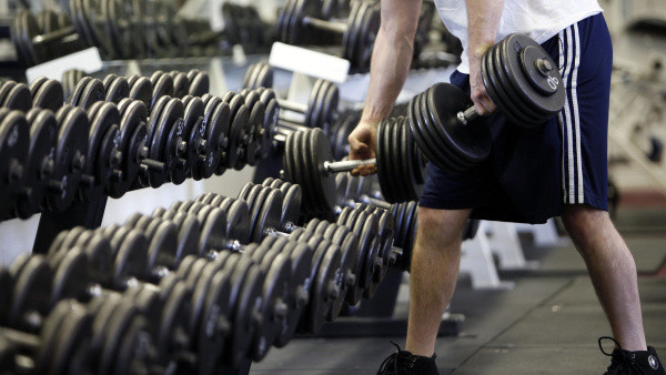 put-your-weights-away-gym-etiquette.jpg