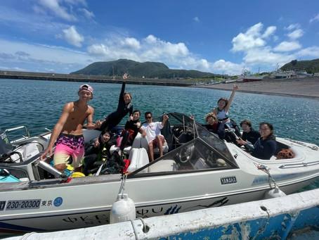 【海】ドルフィンスイムは、急遽新島TRIPへ!
