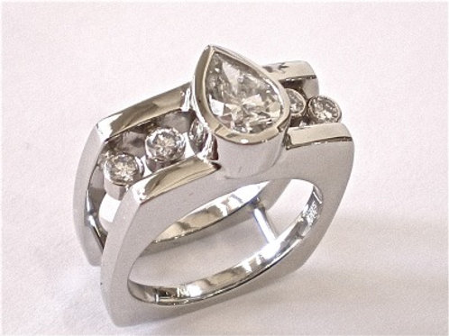 Square/Pear Diamond Ring