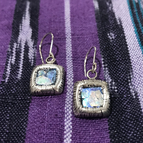 Rounded Square Drops w/Glass