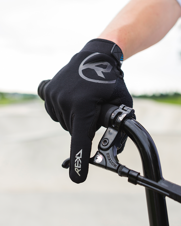 Status Gloves