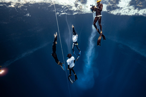 Daniel Koval break US national freediving record