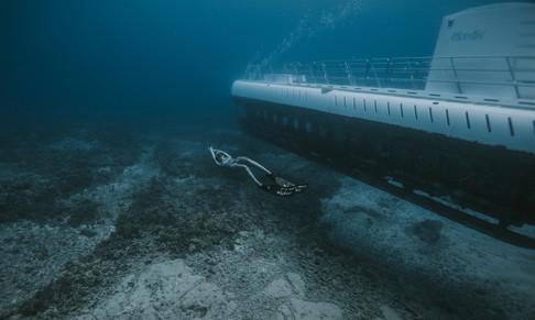 Freediving as deep as Submarines