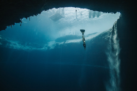 Kristin Kuba 2018 vertical blue freediving competition