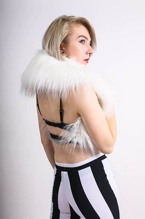 FAUX FUR COLLAR w/ Chain & Grommets Detail in PURE WHITE