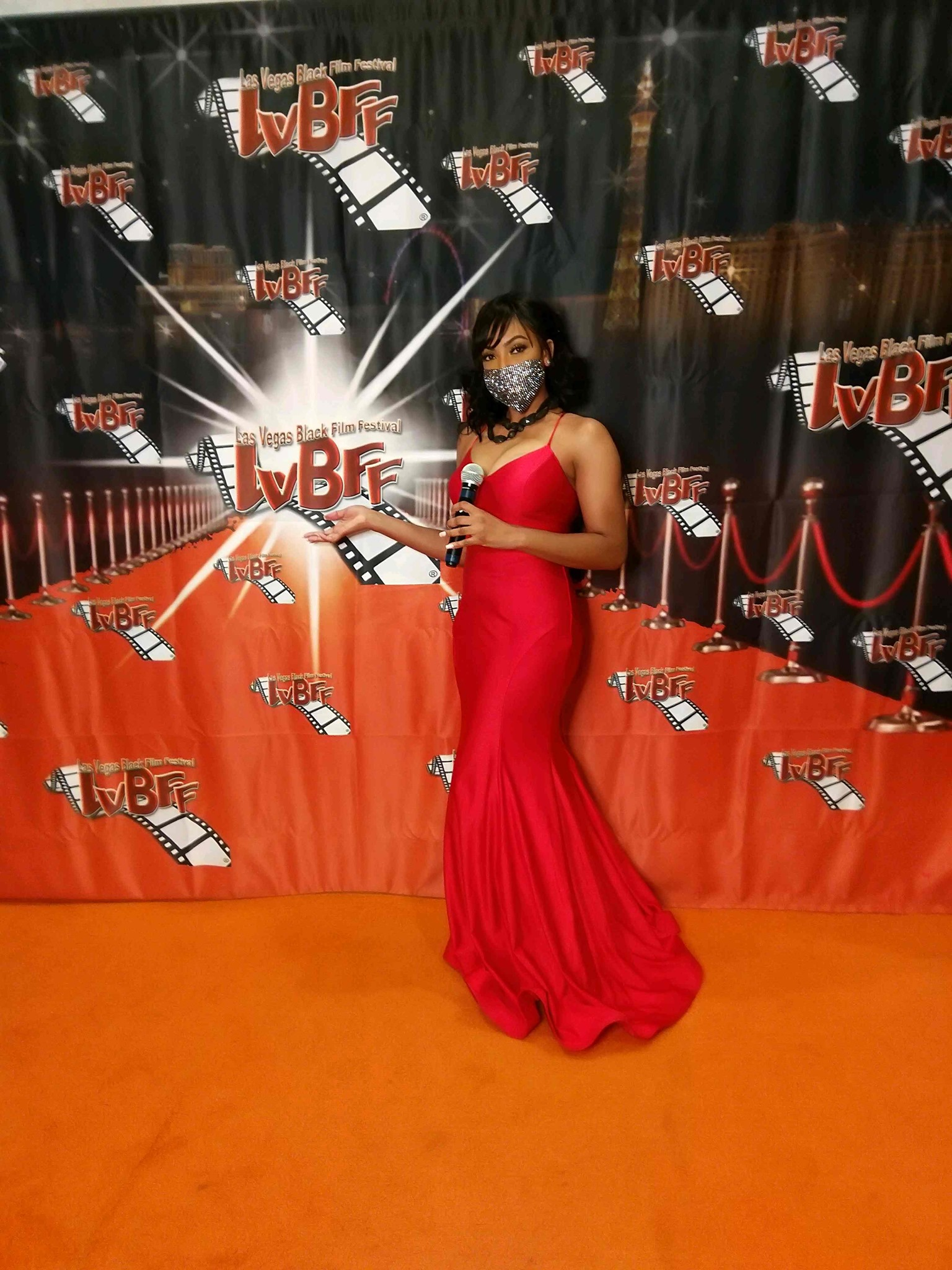 2020 Orange Carpet Host The FABULOUS Joi