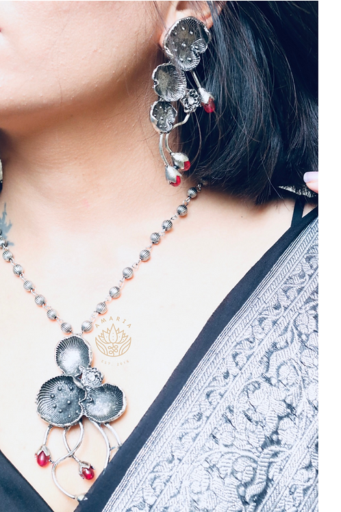 Oxidised lotus motif with glass beads in pink , set