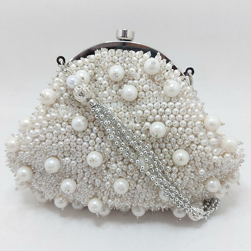 EMBROIDERY PEARL CLUTCH