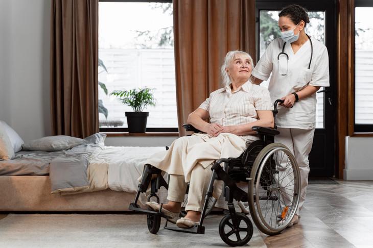 doctor-talking-with-her-elder-patient.jpg