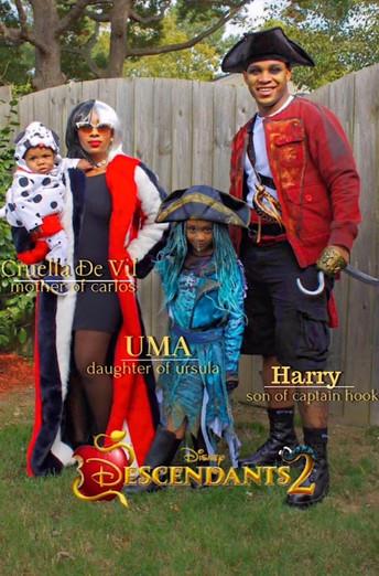 Chic Halloween/Family of Villians