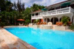 pool builders Leander TX