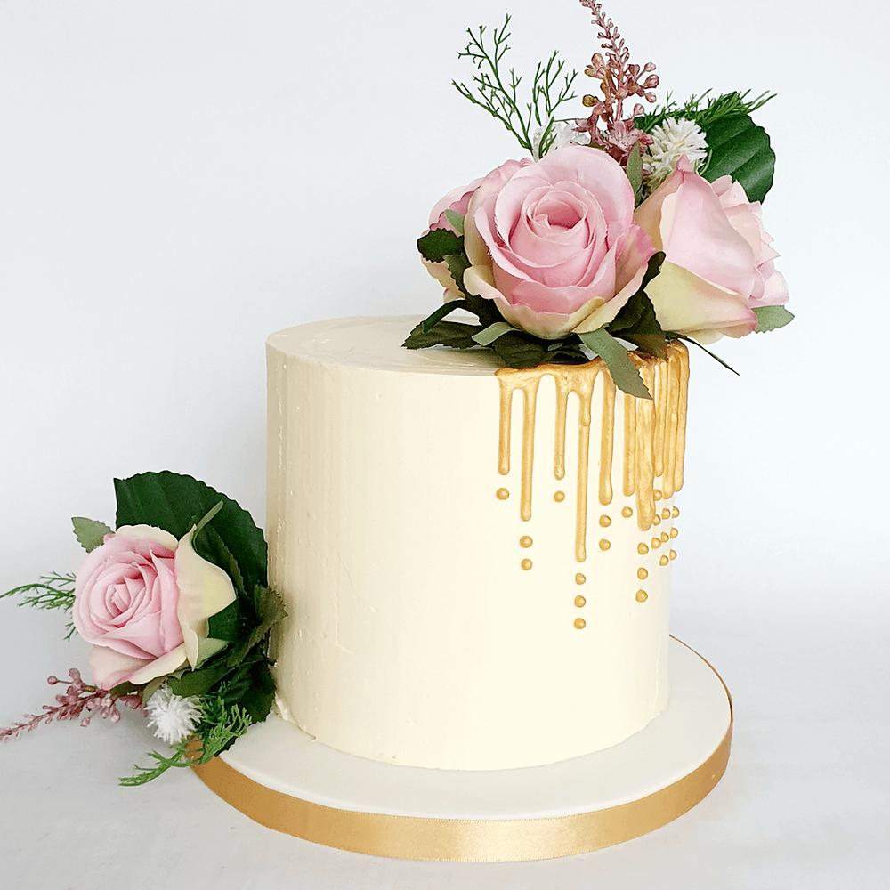 Elegant cakes for women Peterborough