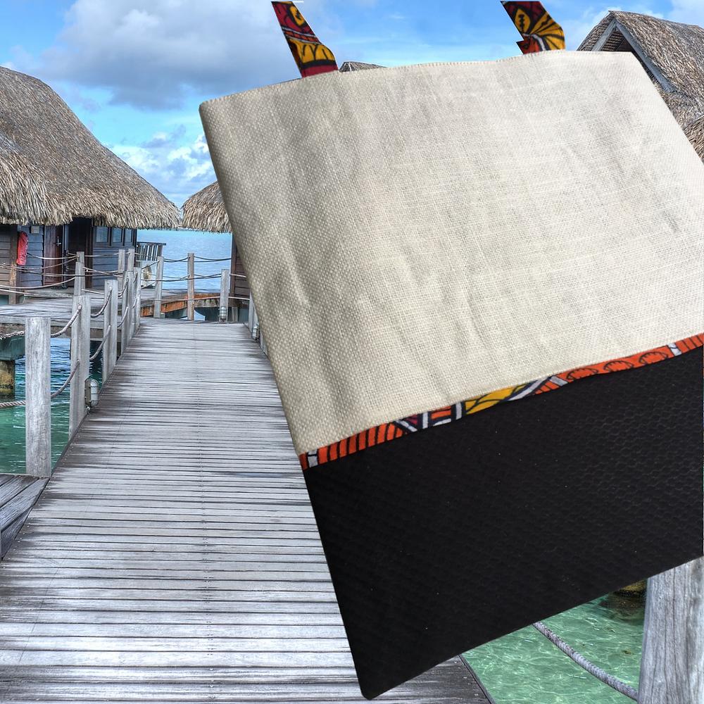 Nous fabriquons des Tote Bags de LUXE pour de cadeaux d'exception. Vos clients PREMIUM méritent des cadeaux éthiques et beaux. Ici un tote bag en Lin et Wax réversible.