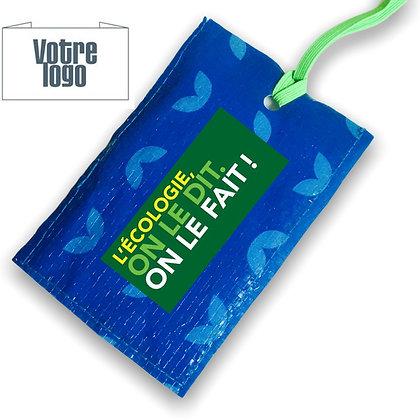 Etiquette bagage publicitaire écologique en sac de riz bleu recyclé personnalisable avec logo | Lygo.fr