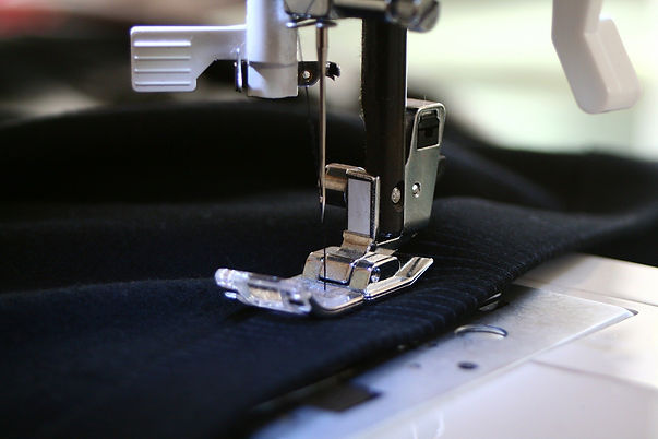 sewing-machine-262454_1920.jpg