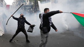 French Riot Police Fire Tear Gas, Use Water Cannons During Violent Anti-Israel Protests in Paris