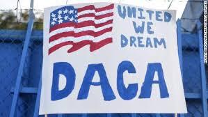 Accepting initial DACA applications, for now /Aceptando solicitudes de DACA, por el momento