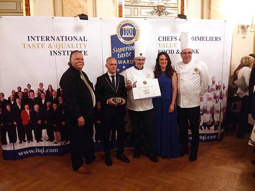 Montiqueijo conquista duas estrelas douradas Superior Taste Award