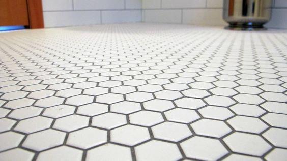 Hexagon 23 mm Black White