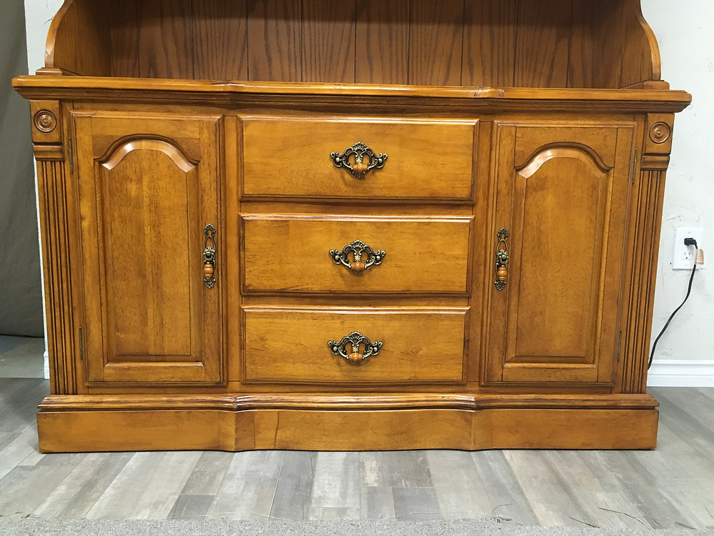 The Vintage & Varnish Blog | Painted Furniture | Chalk Painted Buffet | Country Chic Soiree | Refurbished Furniture | Furniture Prep | How to DIY Tutorial