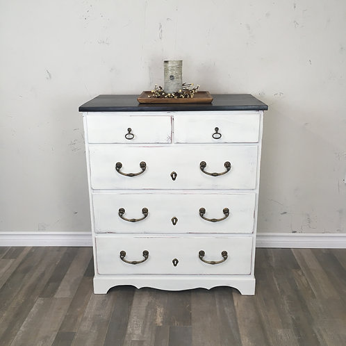 Farmhouse Style 5 Drawer Dresser