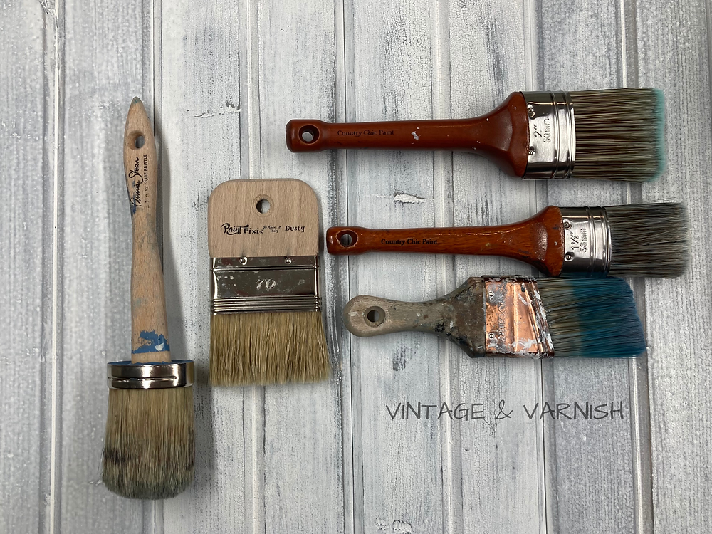vintage-and-varnish-blog-best-paint-brush-for-painting-furniture-paint-pixie-dusty-country-chic-paint-annie-sloan-wooster