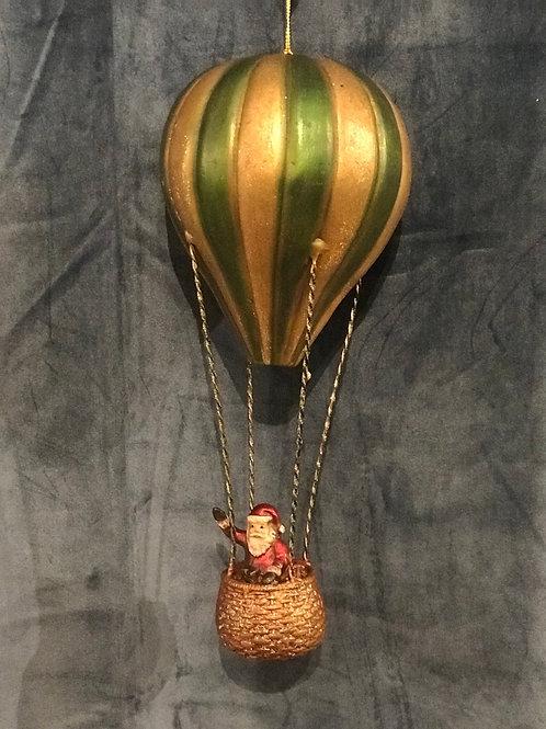 Tomte i luftballong