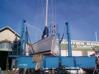 Permettant la manutention sur le port à sec près du Havre pour les bateaux neufs comme pour les bateaux d'occasions