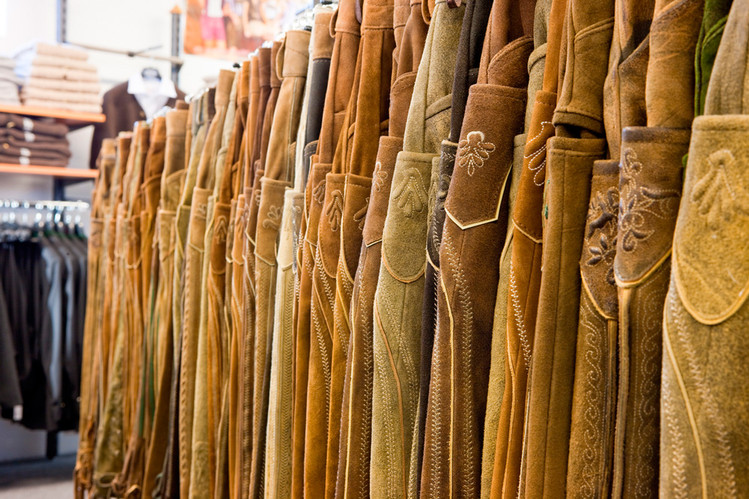 über 500 Lederhosen