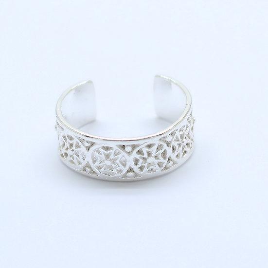 Silver Maltese Cross Toe Midi Ring