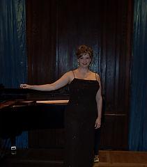 Suzanne Woods, soprano