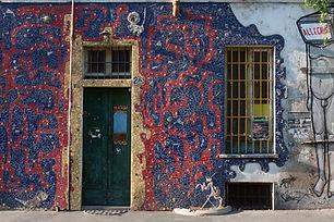 Queen Hostel - Streets-Art-Tour