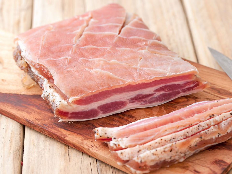how-to-make-your-own-bacon-4146515-17-5b