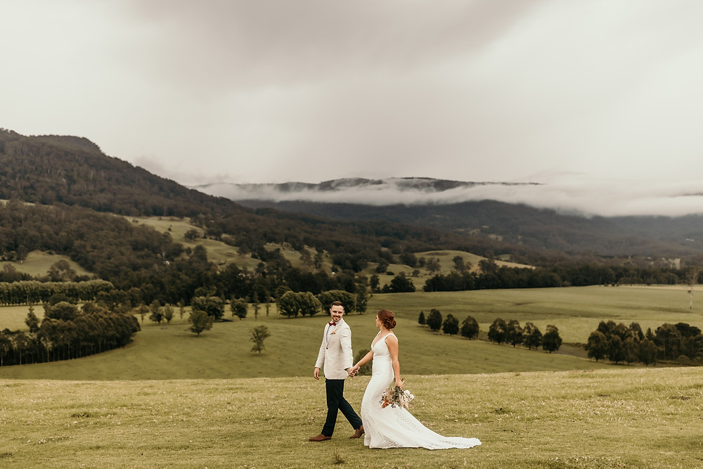Melross Farm - Kangaroo Valley Wedding - Shot by Wedding Photographer Matt Ashton Photography