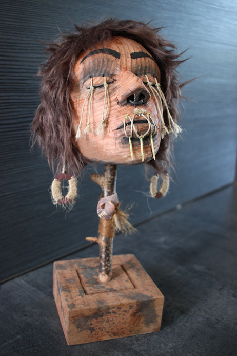 Sculpture tête réduite bois femme style Jivaro / Cabinet de curiosités - Curiosity cabinet