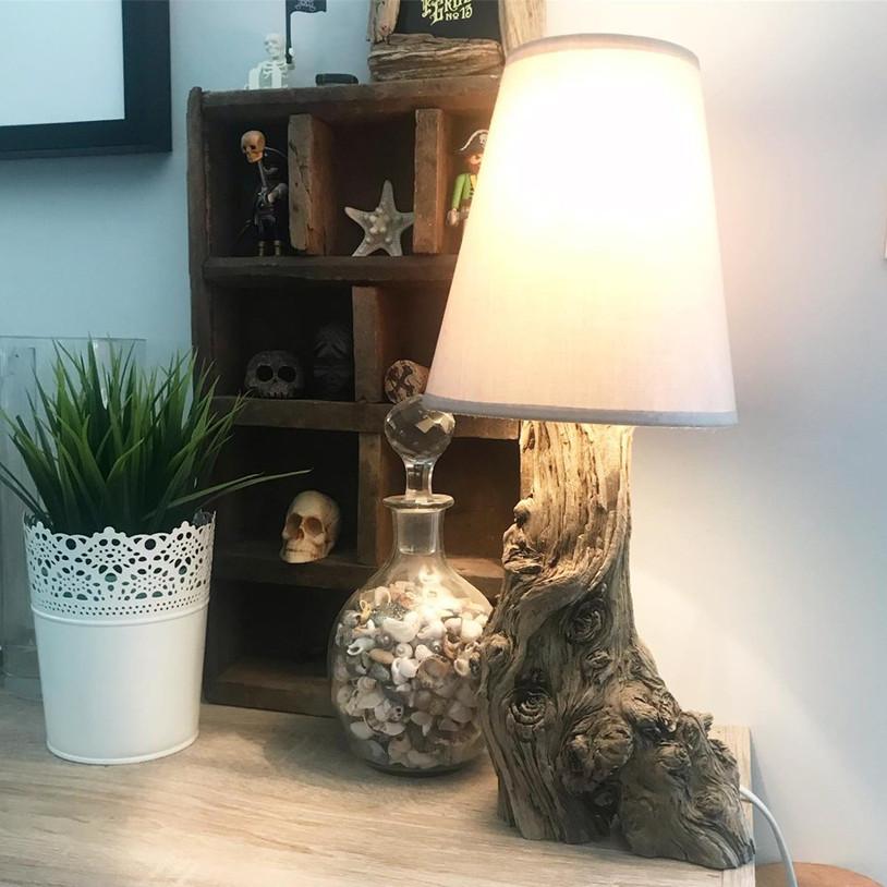 Lampe déco en bois flotté